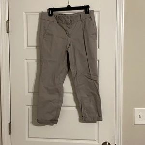 Anne Taylor aloft gray capris with rolled cuff
